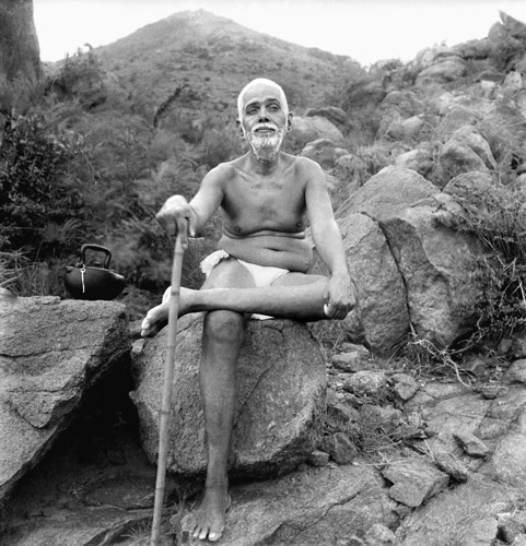 ramana maharshi in front of mount arunachalam