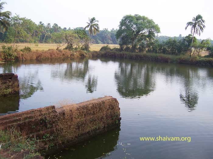 pond of mundaiyur siva temple